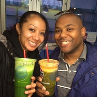 Photo taken at Robeks Fresh Juices & Smoothies by Desiree T. on 2/26/2014