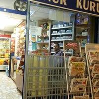 Photo taken at Onur Kuruyemiş Ve Büfe by Cihan Y. on 10/23/2014