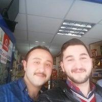Photo taken at Onur Kuruyemiş Ve Büfe by Cihan Y. on 4/1/2015