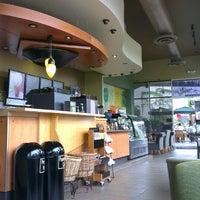 Photo taken at Starbucks by Daniel Eduardo D. on 4/12/2013