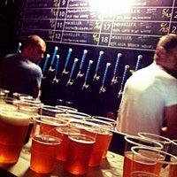 Foto tomada en Mikkeller Bar por Mortizia13 el 10/30/2015