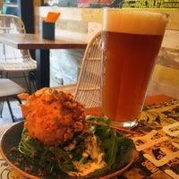 Foto tomada en La Menuda - Craft Beer & Crazy Food por Mortizia13 el 10/14/2017