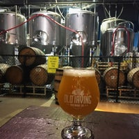 รูปภาพถ่ายที่ Old Irving Brewing Co. โดย Mortizia13 เมื่อ 7/14/2018