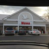 Photo taken at Wawa by Belmira S. on 11/30/2012