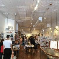 Photo prise au McNally Jackson Store: Goods for the Study par James L. le4/29/2017
