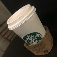 9/24/2017 tarihinde Anton O.ziyaretçi tarafından Starbucks'de çekilen fotoğraf