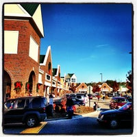 Photo taken at Williamsburg Premium Outlets by Jody F. on 11/23/2012