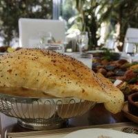 10/18/2014 tarihinde Kebabi Restaurantziyaretçi tarafından Kebabi Restaurant'de çekilen fotoğraf