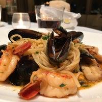 Foto scattata a Gioia Restaurante & Terrazas da Guido M. il 6/3/2017