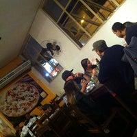 Photo taken at Requinte Pizzaria e Restaurante by Marilia A. on 5/26/2013