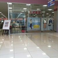 Photo taken at しまむら フィレオ大阪ドーム店 by Masao N. on 5/12/2016