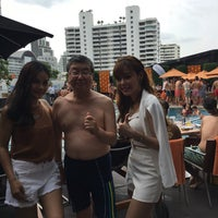 Photo taken at Outdoor Pool by Masao N. on 7/23/2016
