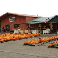 Photo taken at Kelly's Farm Market by Paula S. on 10/19/2014
