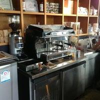 6/10/2013にWeerachai K.がZana's Bean Coffeeで撮った写真