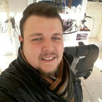 Photo taken at 32 Evler Stil Erkek Kuaforu by Arnavut B. on 1/31/2016