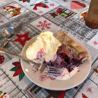 Photo taken at Willow & Jim's Country Cafe by Alice S. on 12/21/2017