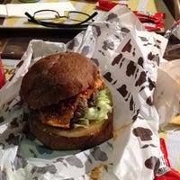 Foto tirada no(a) Pocket Burger por Brunna R. em 8/22/2015