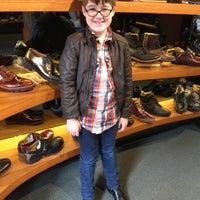 Das Foto wurde bei John Fluevog Shoes von Michael D. am 4/3/2015 aufgenommen