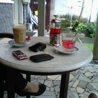 Photo taken at Kopitiam Oey by Bramantyo Kusuma Putra on 5/18/2013