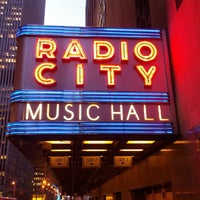 Foto tirada no(a) Radio City Music Hall por Ken B. em 3/14/2013