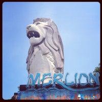 Photo taken at Sentosa Merlion by Rathtavit L. on 6/6/2013