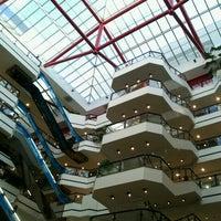 Foto tirada no(a) Beiramar Shopping por Leandro d. em 1/13/2013