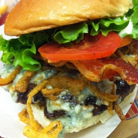 Photo taken at Schnipper's Quality Kitchen by Karen D. on 12/24/2012