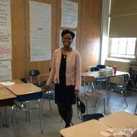 Das Foto wurde bei Evander Childs High School von Abiola A. am 4/11/2013 aufgenommen