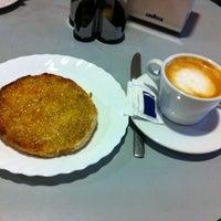 Photo taken at cafe bar la ronda by TOŃO on 11/3/2012
