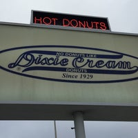 Photo taken at Dixie Cream Donuts by John S. on 2/25/2017