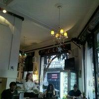 รูปภาพถ่ายที่ Origen Café โดย RomiL เมื่อ 1/6/2013