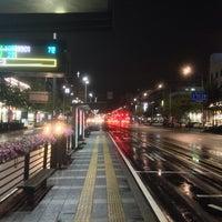 Photo taken at 둔촌2동 주민센터 버스정류장(25-007) by Simon J. on 9/29/2013