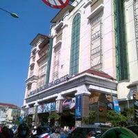 Photo taken at Pasar Baru Trade Center by Kas K. on 5/5/2013