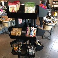 Foto scattata a Starbucks da Sean H. il 6/23/2018