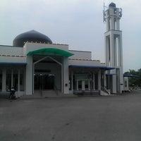 Photo taken at Masjid Tuan Hussain by zahari b. on 8/28/2015