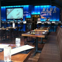 Foto tomada en Blue Sushi Sake Grill por Nikki B. el 4/13/2013