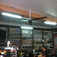 Foto tomada en Queirolo Restaurant & Bar por Migue L. el 11/24/2012