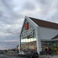 Photo taken at Loblaws by Choorocca on 2/20/2016