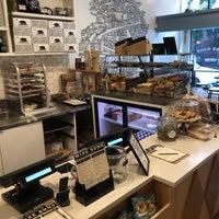 7/18/2018 tarihinde Dan C.ziyaretçi tarafından Wise Sons Bagel & Coffee'de çekilen fotoğraf