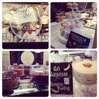 Foto tomada en Magnolia Bakery por Monica B. el 12/2/2014