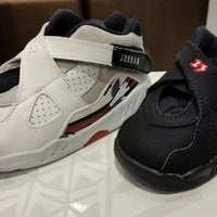 Photo taken at House Of Hoops by Daniel G. on 5/4/2014