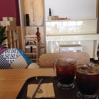 Photo taken at Hue 345 coffee by Youngyong K. on 8/10/2014