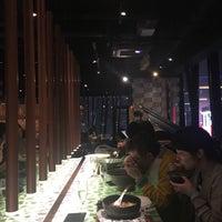 Foto tomada en TsuruTonTan Udon Noodle Brasserie por Isil B. el 10/28/2017