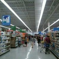 Foto diambil di Walmart oleh Robert K. pada 11/16/2012
