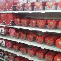 Foto diambil di Walmart oleh Robert K. pada 1/13/2013