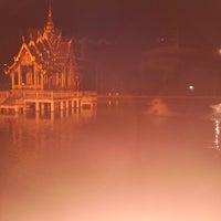 Photo taken at สระน้ำ มหาวิทยาลัยรามคำแหง by Y © on 11/8/2013