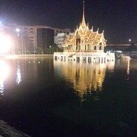 Photo taken at สระน้ำ มหาวิทยาลัยรามคำแหง by Y © on 10/14/2013