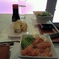 Photo taken at Niu Sushi by Cata T. on 9/22/2012