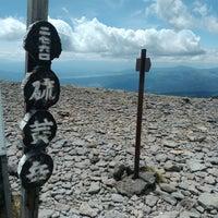Photo taken at 硫黄岳山頂 by ノウチ on 6/12/2017