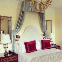 Снимок сделан в Four Seasons Hotel Lion Palace St. Petersburg пользователем Elena C. 7/17/2013